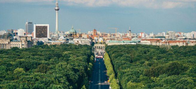 Håll kontakten med Berlin genom att skicka paket till Tyskland