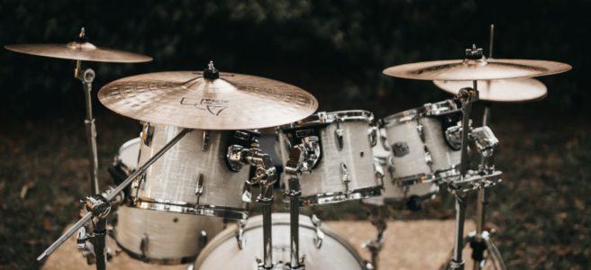 Vill du spela på trummor?